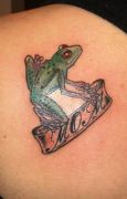 Photos tatouages pictures tattoos 82 Mania tattoo.com tattoo grenouille frog