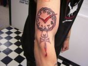 Photos tatouages pictures tattoos 06 Mania tattoo.com Tattoo horloge clock