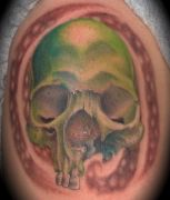 Photos tatouages pictures tattoos 08 Mania tattoo.com Tattoo tete de mort head of death